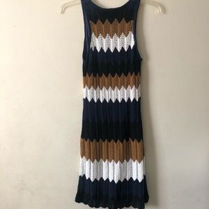 Trina Turk Dresses - Trina Turk Navy Chevron Knit Dress M